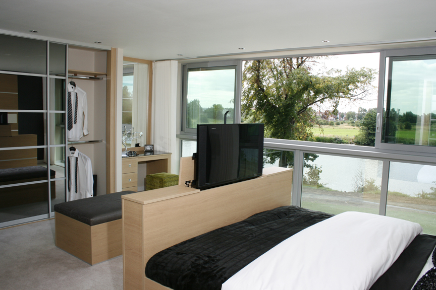 Multi functional living bedroom to study in a flash - Interior design courses distance learning ...