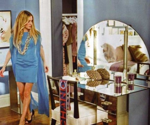 Carrie Bradshaw's Sex and the City Apartment makeover and her Alan York vanity mirror. Set Design Interior Design Inspiration.