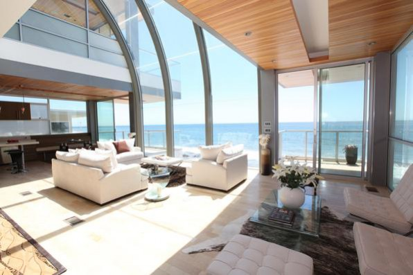 Samantha's Malibu Beach House living room from the Sex and the City film