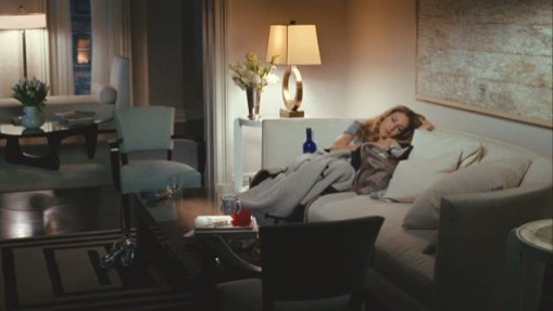 Carrie in Charlotte York's living room in the sex and the city film. set design inspired Interior design ideas