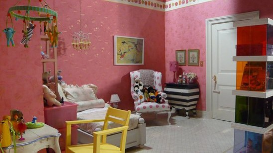 Charlotte York's daughters bedroom in the Sex and the City. Lily's pink bedroom set.