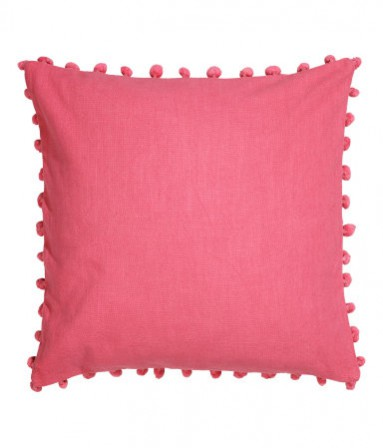 H&M pom pom pink cushion SATC set design inspired interior design ideas.