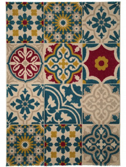 Moroccan mosaic tiling style rug. Hallway Flooring ideas to transform your interior.