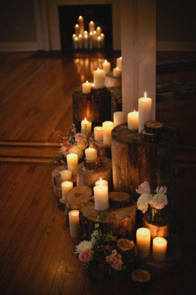 This month's Christmas inspired theme of the month explores the themes of candlelight: image via: www.stylemepretty.com