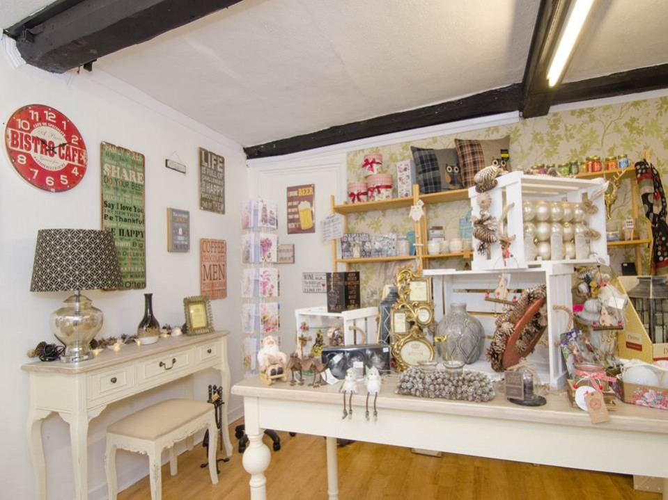 Student Spotlight: BA Hons Interior Design degree graduate, Gemma Drake who has set up her own interior store selling home décor, gifts and accessories.