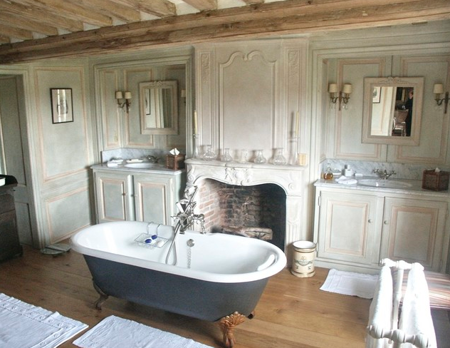 Stylish french farmhouse in Norkfolk